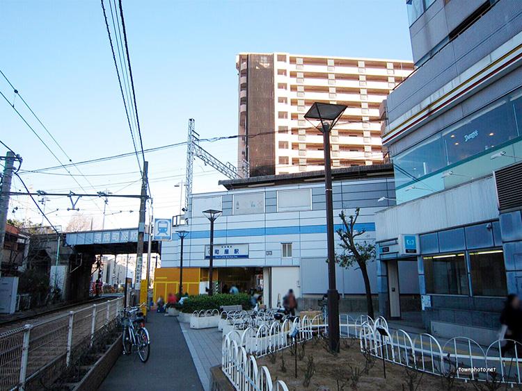 京成本線 町屋駅西出口
